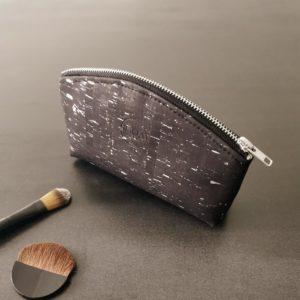 petite trousse zippée demi-lune vegan en liège noir argenté doublée lin de l'atelier inua