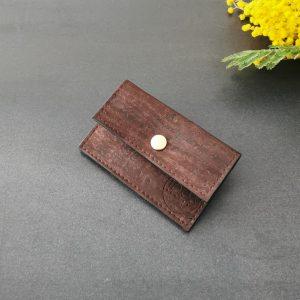porte-monnaie vegan en liège marron de l'atelier inua