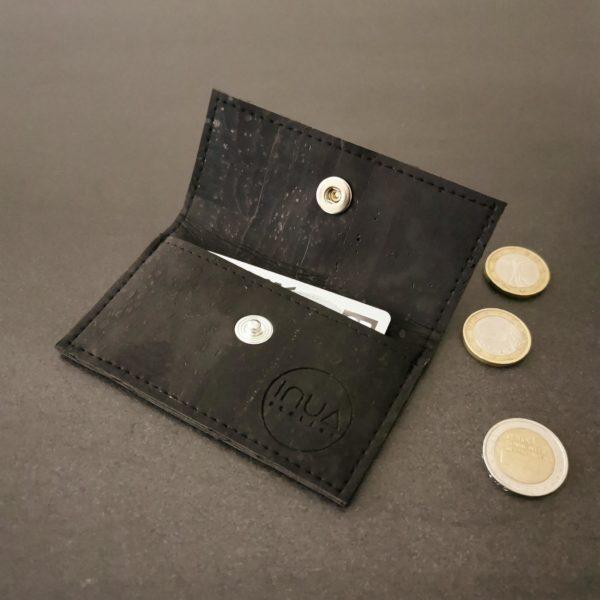 porte-monnaie vegan en liège noir de l'atelier inua