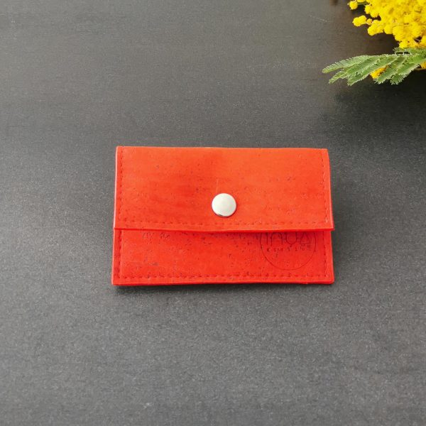 porte-monnaie vegan en liège rouge vif de l'atelier inua
