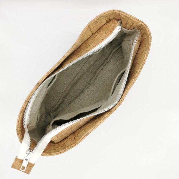 sac à main vegan en liège naturel de l'atelier inua avec fermeture zippée