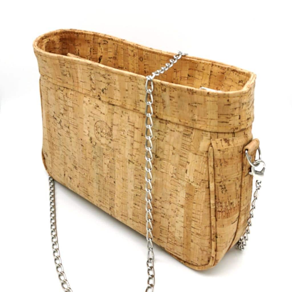 sac à main zippé vegan en liège naturel avec chaîne métal de l'atelier inua
